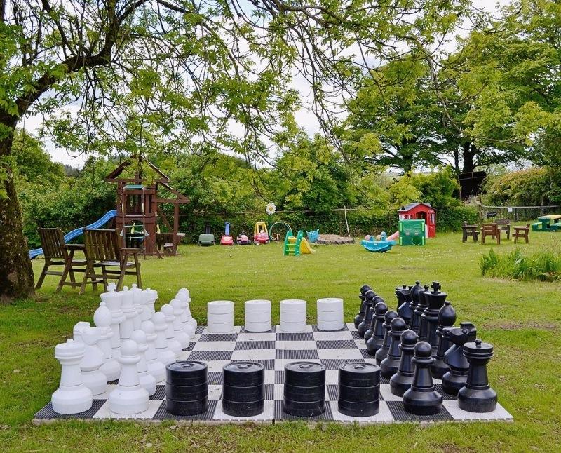 chess-set-800x646